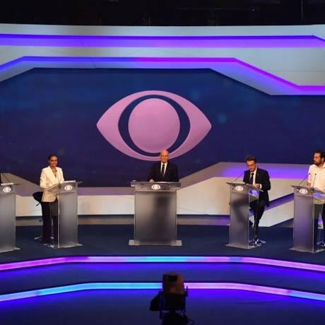 Oito candidatos à Presidência da República participaram do primeiro debate na TV este ano Foto: NELSON ALMEIDA / AFP
