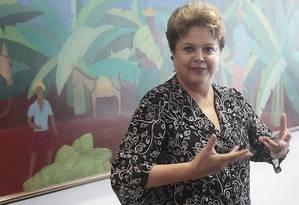 Dilma Rousseff no Palácio do Planalto esta manhã; ontem, ela conversou com Obama por telefone durante 20 minutos Foto: Jorge William / O Globo