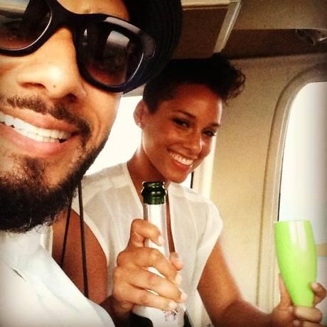 Alicia Keys com o marido, Swizz Beatz, no Rio Foto: Reprodução
