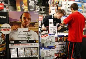 Loja vende o game recém-lançado em Encinitas, na Califórnia: recorde batido tanto na indústria de jogos quanto na de filmes. Foto: Foto: Mike Blake/Reuters