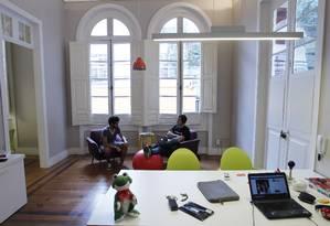 Infraestrutura completa. Em um casarão em Botafogo, a Papaya oferece espaço para a instalação dos escritórios das start-ups aceleradas pelo programa Foto: Gustavo Miranda