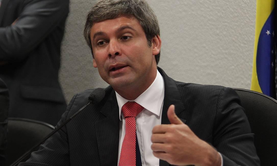 Lindbergh: 'Meu compromisso é de continuidade com as UPPs, como uma política de Estado' Foto: André Coelho / Arquivo O Globo