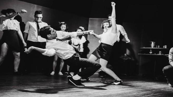 Passinho antigo: a pista de dança em uma das edições da Manie Dansante Foto: Divulgação
