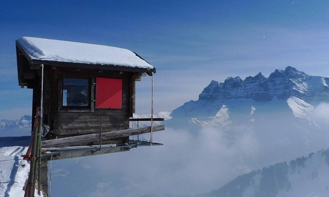 Visual incrível em escritório que desafia a arquitetura Foto: Florin Biscu / Barcroft India/Daily Mail