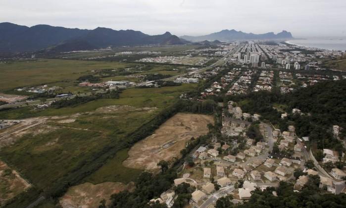 A Região das Vargens, maior que a Barra da Tijuca, é a área para onde o Rio está se expandindo / Foto: Custodio Coimbra / O Globo