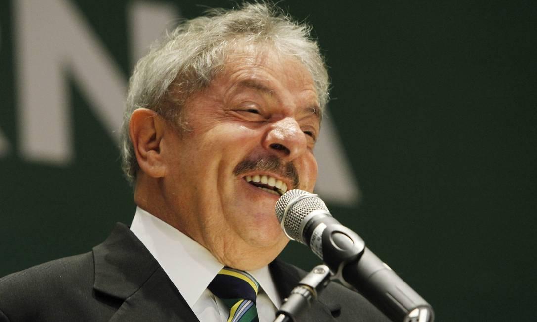 'Estou disposto. Se ela não puder ir para o comício num determinado dia, vou no lugar dela', disse Lula Foto: Marcos Alves / Arquivo O Globo