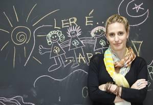 Educadora ensina pais, professores e crianças das mais variadas classes sociais a desenvolverem o prazer pela leitura Foto: Agência O Globo / Ana Branco