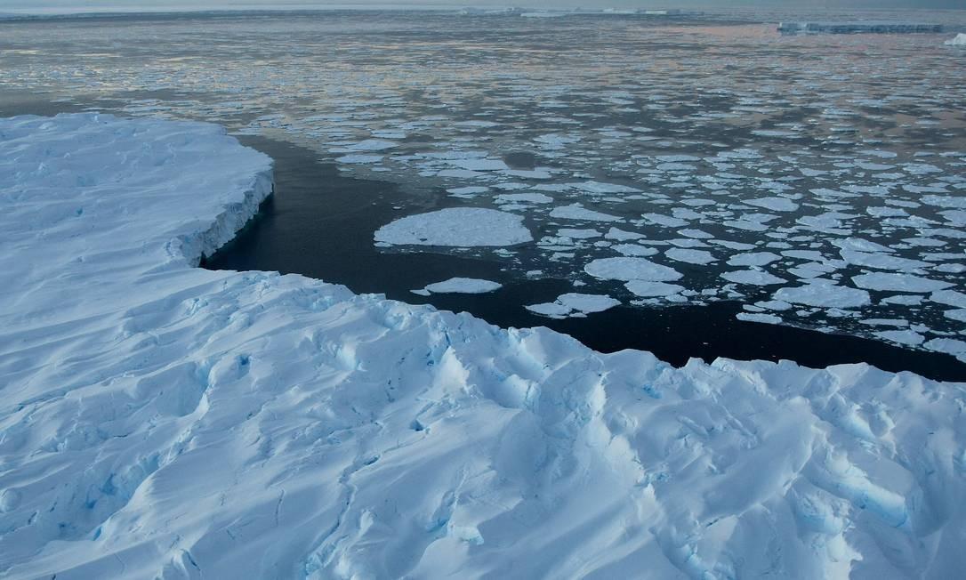 Derretimento de geleira na Antártica: efeito do aquecimento global Foto: TORSTEN BLACKWOOD/AFP