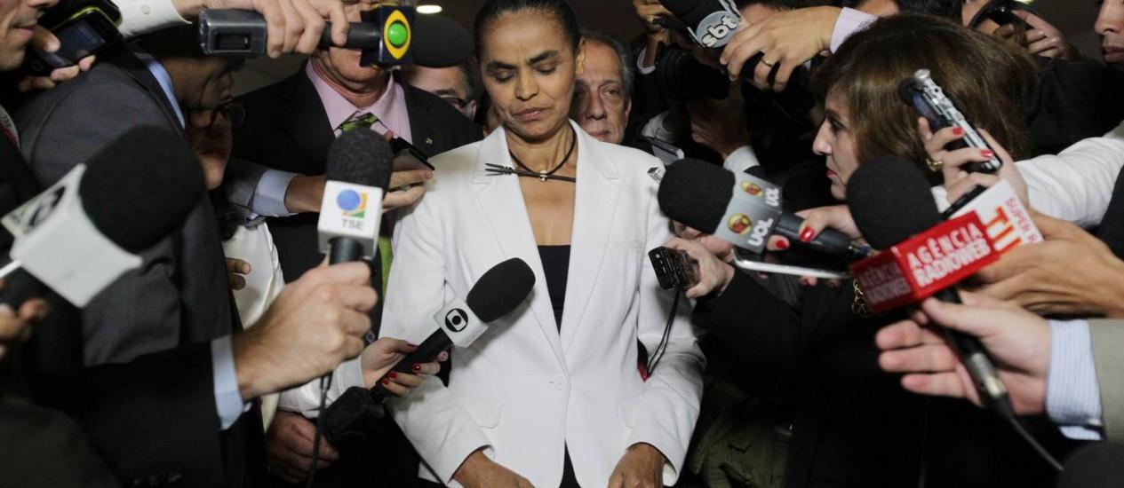 Marina deixa o TSE após os ministros indeferirem a criação da Rede Foto: Givaldo Barbosa/ O Globo