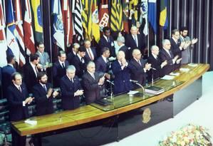 Cerimônia de promulgação da Constituição Foto: Arquivo O Globo / Arquivo O Globo 5/010/1988