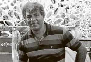 Capitão Guimarães no barracão da Vila Isabel Foto: Foto: Arquivo O Globo