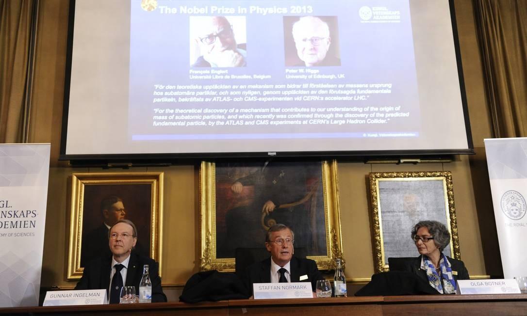 O prêmio Nobel de Física de 2013 é concedido a Peter Higgs e Francois Englert Foto: Erik Martensson / AP