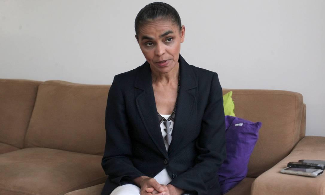 """A ex-ministra Marina Silva durante entrevista ao Globo, em Brasília: """"O atraso na política é que faz com que a gente corra o risco de perder as conquistas"""" Foto: Ailton de Freitas/O Globo"""
