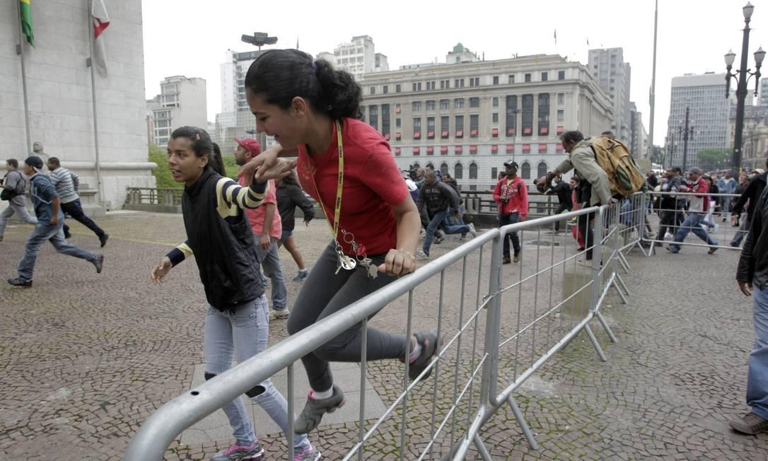 Sem-teto em manifestação de São Paulo Foto: O Globo / Eliaria Andrade