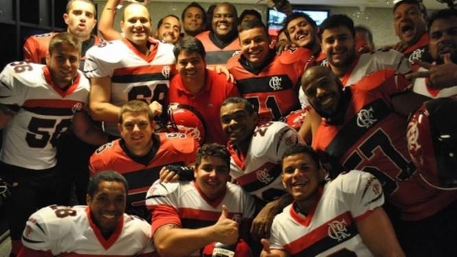 O time de futebol americano do Flamengo Foto  Divulgação   Flamengo 92d9bf1017978