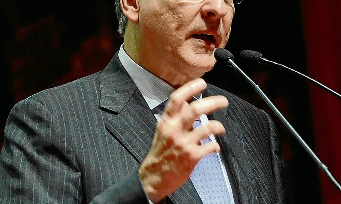 Ministro Fernando Pimentel Foto: Guito Moreto / O Globo/20-6-2012