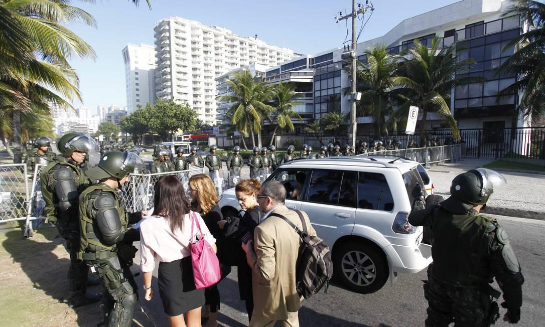 Exército bloqueia acesso ao hotel Windsor para garantir o leilão do Campo de Libra Pablo Jacob / Agência O Globo