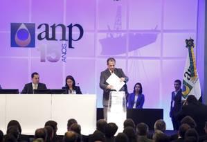 Envelope com a única proposta foi aberto por volta das 15h30m Foto: Fabio Rossi / Agência O Globo