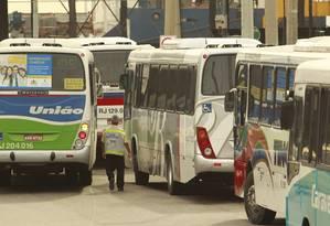 Ônibus na Zona Portuária do Rio - Foto: Gabriel de Paiva / O Globo