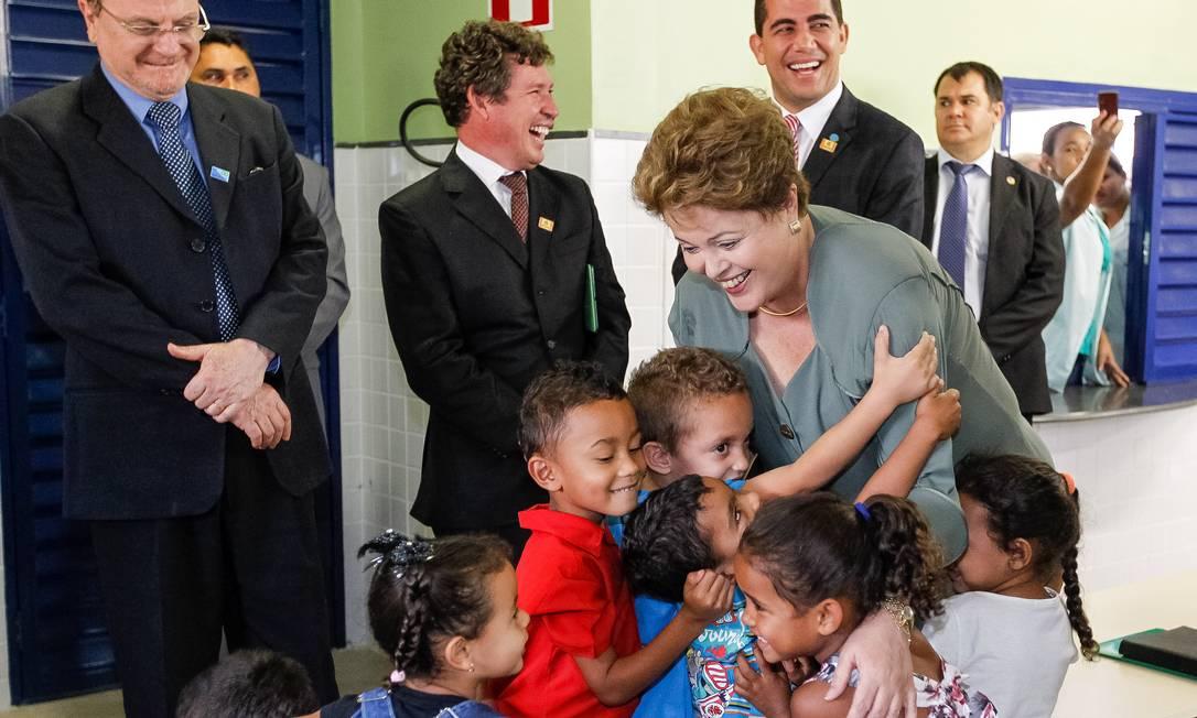 Dilma inaugura creche em Belo Horizonte junto com o prefeito Marcio Lacerda (PSB) Foto: Divulgação