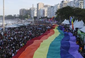 Parada do Orgulho LGBT arrastou milhares pela Avenida Atlântica, em Copacabana Foto: Fabio Rossi / Agência O Globo