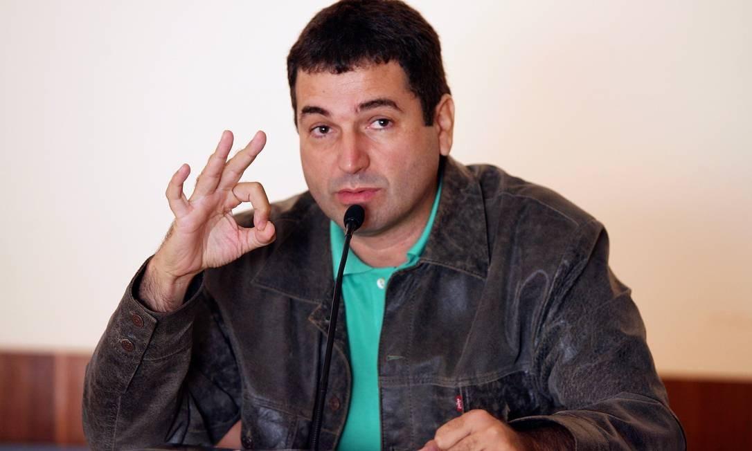 Paulo Cesar de Araujo em foto de 2007, ano em que a biografia não autorizada que escreveu sobre Roberto Carlos foi lançada e recolhida das livrarias Foto: Marizilda Cruppe / Agência O Globo