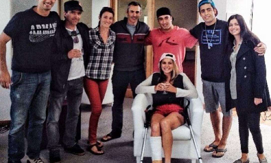 Maya Gabeira deixa o hospital em Portugal Reprodução Instagram