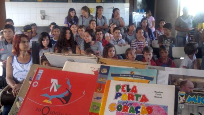 Estudantes da Escola Rural de São José do Pontal, onde, há seis meses, crianças foram contaminadas por avião pulverizador Foto: Evandro Éboli/O Globo
