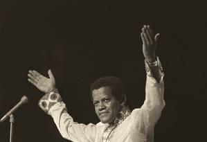 """Bem-sucedido, o músico que consagrou o hit """"Eu quero mocotó"""" foi censurado após dançar cercado de bailarinas louras em trajes cor da pele no V Festival Internacional da Canção, em 1970 Foto: José Araújo/18-10-1970"""