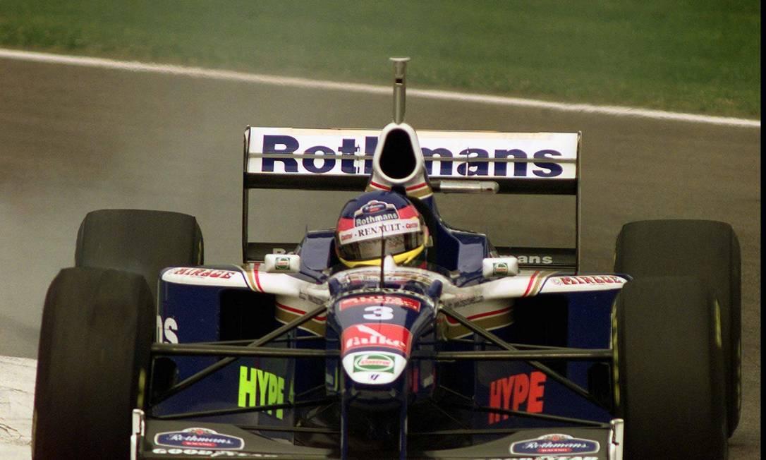 O canadense Jacques Villeneuve foi campeão da temporada de 1997 no último carro da Williams desenhado por Newey AP/ Luca Bruno/ 26-04-1997