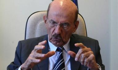 O ministro-chefe da Controladoria-Geral da União (CGU), Jorge Hage Foto: Givaldo Barbosa / Agência O Globo