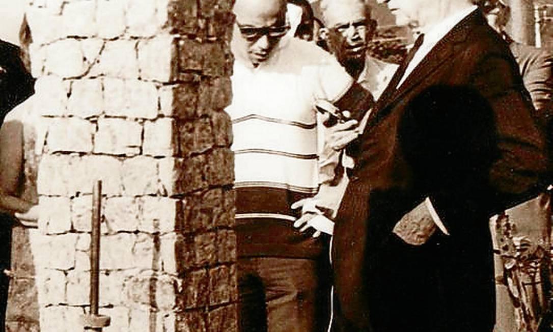 A inauguração da cabeça de Manoel Branco Foto: Agência O Globo