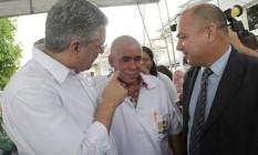O ministro da saúde de Cuba Roberto Ojeda (à dir) visita posto de saúde em Recife com o ministro Alexandre Padilha Foto: Hans von Manteuffel / Agência