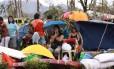 Sobreviventes em Tacloban, nas Filipinas