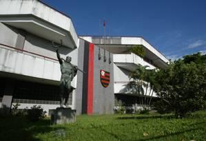 A sede do Flamengo na Gávea. Procou foi ao local em busca de documentos Foto: André Coelho / O Globo