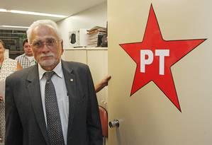 O ex-presidente do PT, José Genoino, vai aguardar em casa a decisão do STF. Foto Arquivo - ANDRÉ COELHO / Agência O Globo Foto: André Coelho / Agência O Globo