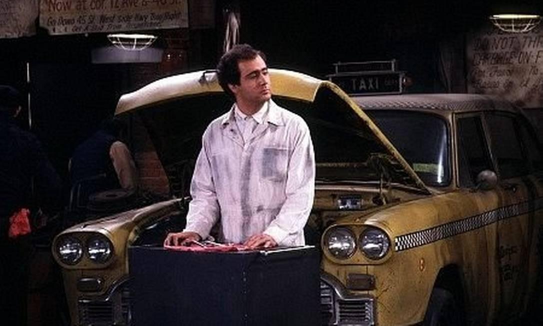 O comediante Andy Kaufman em 'Táxi' Foto: Reprodução