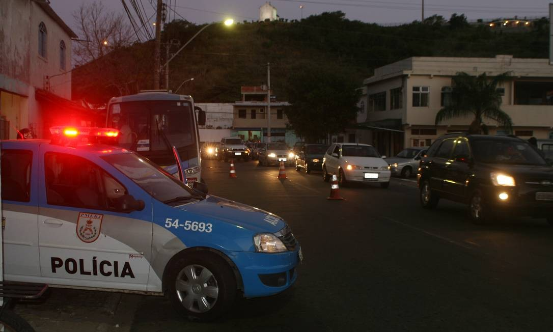 PM reforça policiamneto no bairro Jardim Esperança Foto: Agência O Globo / Walmor Freitas