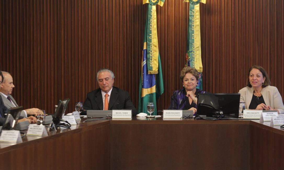 Dilma Rousseff durante reunião do conselho político Foto: Givaldo Barbosa/Agência O Globo