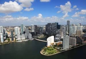 Vista aérea de Brickell Key, em Downtown Miami. Foto: GMCVB / Divulgação