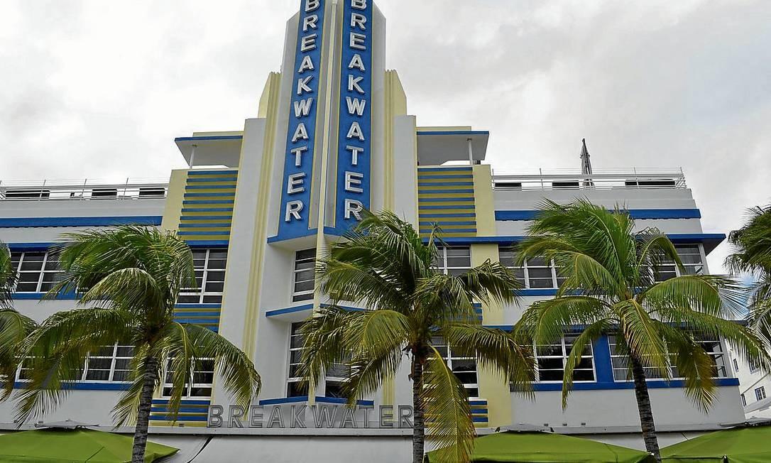 O Breakwater é um dos marcos da orla de South Beach, em Miami Foto: Cristina Massari / O Globo