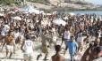PMs e Guardas Municipais reprimem brigas e roubos na praia do Arpoador