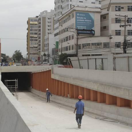 Subterrâneo. Mergulhão da Avenida Marquês do Paraná: abertura de galeria vai alterar o trânsito na região Foto: Freelancer / Bia Guedes