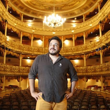 Realizado. O ator diz que se revelou para o teatro num curso da Biblioteca Estadual Infantil Anísio Teixeira, no Campo de São Bento Foto: Eduardo Naddar