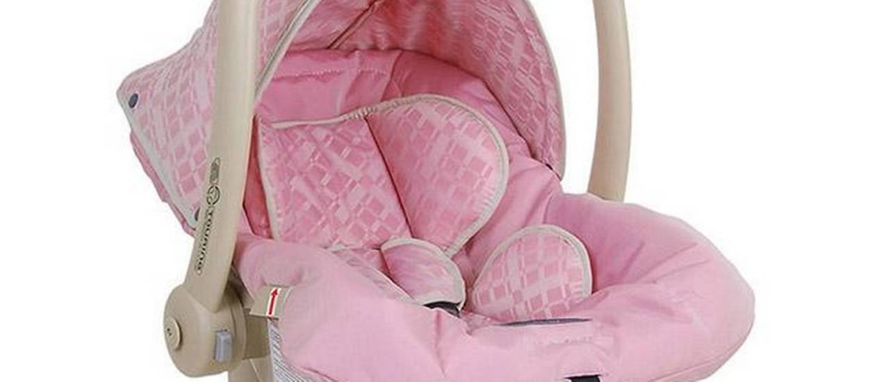 Bebê-conforto Burigotto Tourin foi uma das melhores avaliadas, principalmente no quesito proteção lateral para a cabeça Foto: FOTO: Divulgação