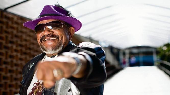 """Gerson sofreu grande influência do irmão, Getúlio, que compôs o rock """"Negro gato"""": """"Nunca me interessou ser sambista"""" Foto: Simone Marinho"""