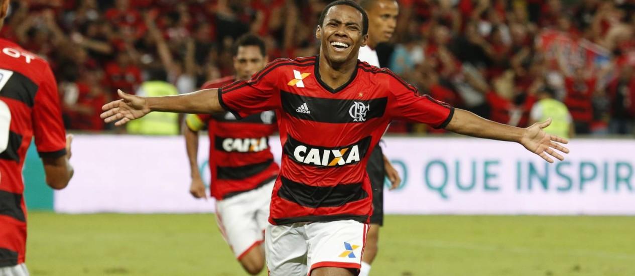 Flamengo disse que não vai aumentar a proposta por Elias Foto: Ivo Gonzalez / Arquivo O Globo