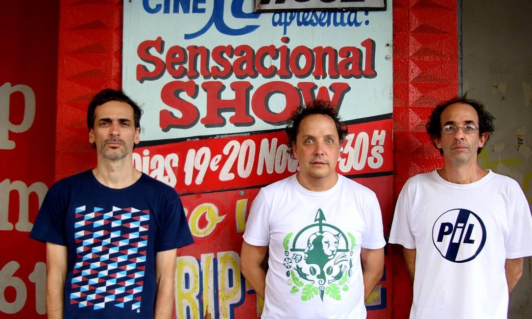 Trio carioca é um dos principais nomes da música experimental brasileira, segundo o curador do Novas Frequências, Chico Dub Foto: Divulgação
