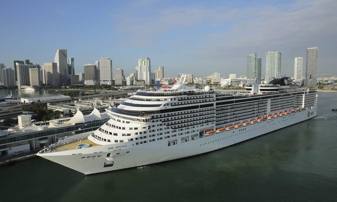 O navio MSC Divina no porto de Miami Foto: Divulgação