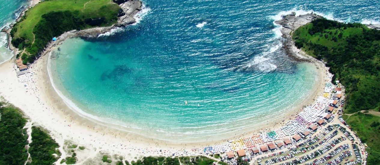 A vista área da Praia das Conchas, em Cabo Frio Foto: Ernesto Galiotto